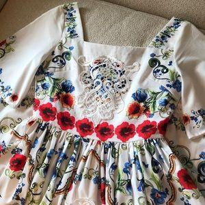 Dresses & Skirts - Parisian floral & lace design midi dress